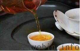 不正确的喝茶方式可能导致肾结石